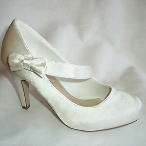 NEW-WOMENS-IVORY-SATIN-WEDDING-BRIDAL-BOW-STRAP-SHOES-LADIES-HEELS-3-8