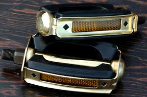 Gold-Schwinn-Stingray-Krate-Bicycle-Bow-Pedals-Vintage-Cruiser-Bike-Pedal-1-2-034