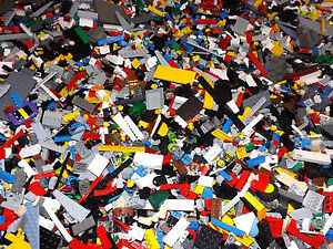 300-Lego-Pieces-FROM-HUGE-LOT-CLEAN-WITH-MINIFIGURES