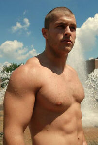 Shirtless-Hunk-Male-Muscle-Hair-on-Chest-Shaved-Head-PHOTO-4X6-P895