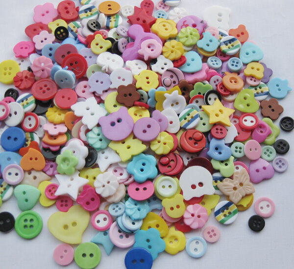 10/50/100/500pcs Mix Assort Plastic Buttons Scrapbooking Sewing Craft F647