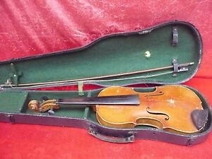Sehr-alte-Geige-Violine-mit-Koffer