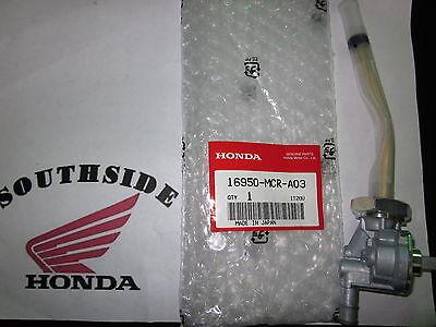 GENUINE HONDA PETCOCK  VT750 SHADOW SPIRIT WITH LEVER AND SCREW