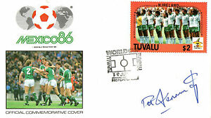 FOOTBALL WORLD CUP 1986 TUVALU FDC SIGNED BY NORTHERN IRELAND PAT JENNINGS - Weston Super Mare, Somerset, United Kingdom - FOOTBALL WORLD CUP 1986 TUVALU FDC SIGNED BY NORTHERN IRELAND PAT JENNINGS - Weston Super Mare, Somerset, United Kingdom