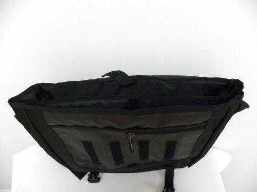 60.00 QUIKSILVER MESSENGERS SHOULDER BAG Retail