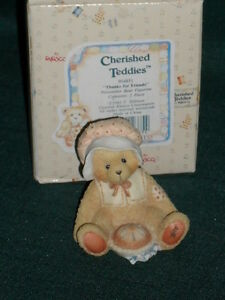 Enesco-CHERISHED-TEDDIES-034-Thanks-for-Friends-034-NOVEMBER-BEAR-Figurine-w-Box-1993