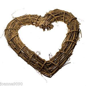 GISELA-GRAHAM-TRADITIONAL-WEDDING-TWIG-HEART-WREATH-CHRISTMAS-DECORATION-GIFT