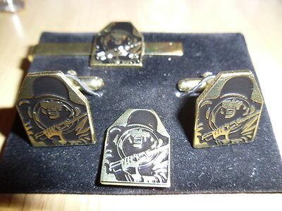 Figure 12 Target Gilt Cufflink / Tie slide / lapel pin set , Shooting, Army