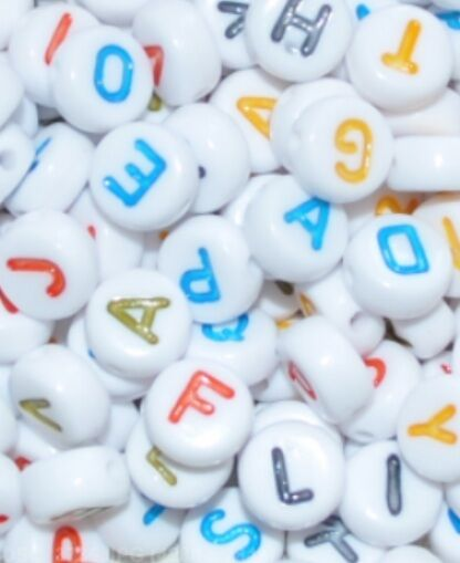 500pcs  7mm flat round white + colourful letters acrylic alphabets beads