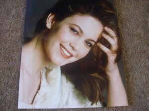 Kathleen-TURNER-Actress-Professional-10-x-8-PHOTO