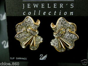 SIGNED-SWAROVSKI-PAVE-039-CRYSTAL-CLIP-EARRINGS-NEW-RETIRED