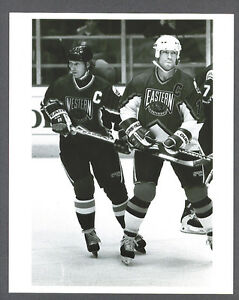 Wayne-Gretzky-amp-Mark-Messier-1994-All-Star-photo-from-Sporting-News-Collection