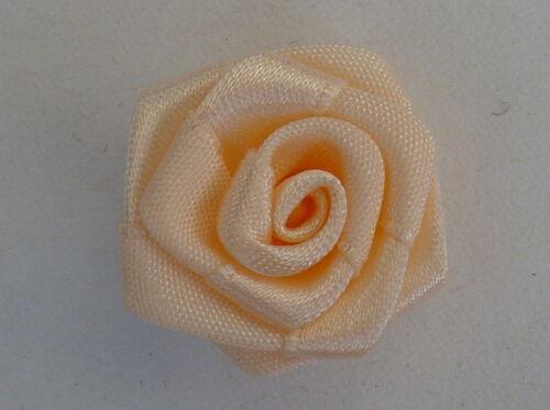 Posamenten 2 Stück Stoffrosen Satin Rosen 3 cm Durchmesser verschiedene Farben