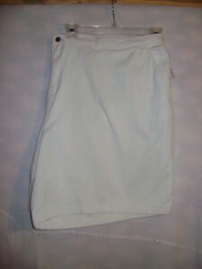 New-Ladies-Plus-Size-34-W-White-Jean-Shorts
