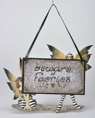 AMY BROWN WALL PLAQUE BEWARE OF FAIRIES