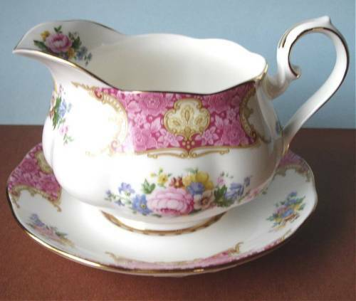 Royal Albert Lady Carlyle Gravy Sauce Boat With Stand New
