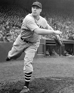 Cleveland-Indians-BOB-FELLER-Vintage-8x10-Photo-Major-League-Baseball-Print