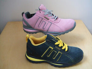 LADIES-LIGHTWEIGHT-SAFETY-WORK-BOOTS-TRAINERS-PINK-OR-NAVY-GROUNDWORK
