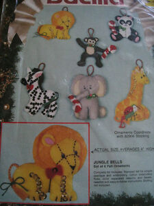 Christmas Holiday Craft Bucilla Felt Applique ORNAMENT KIT,JUNGLE BELLS,#82941