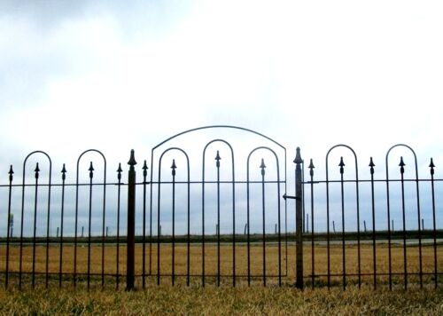 3' Wrought Iron Gate goes with 3' Metal Garden Fence
