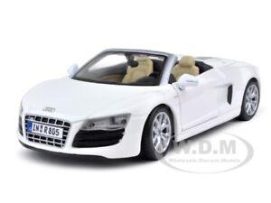 2011-AUDI-R8-SPYDER-V10-WHITE-1-24-DIECAST-MODEL-CAR-BY-MAISTO-31204