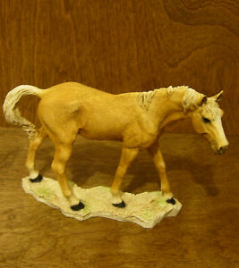 Castagna-Horse-Figurines-231P-PALOMINO-MARE-5-034-x-6-75-034-Made-in-Italy-NEW-Box