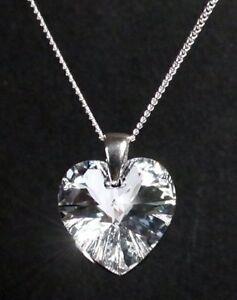 Sterling-Silber-Kette-Herzkette-mit-SWAROVSKI-Herz-glitzernd-NEU-mit-Schmuck-Box