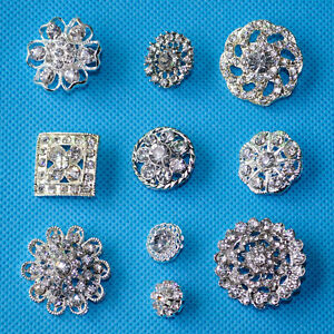 10-ASSORTED-DESIGNS-MIXED-DIAMANTE-FLOWER-SPARKLING-CRYSTAL-RHINESTONE-BUTTONS