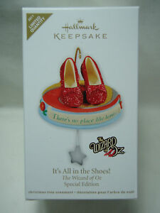 2011-Hallmark-It-039-s-All-in-the-Shoes-Wizard-of-Oz-LQ