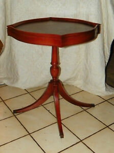 Mahogany-Lamp-Table-Parlor-Table-End-Table-T255