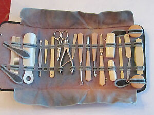 VINTAGE-20-PIECE-FRENCH-CELLULOID-VANITY-NAIL-MANICURE-SET-IN-CASE-TUB-A
