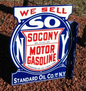 OLD-STYLE-LARGE-2-FT-SOCONY-MOTOR-OIL-amp-GASOLINE-STANDARD-FLANGE-DIECUT-SIGN