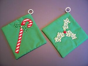 Vtg-PAIR-CHRISTMAS-POTHOLDERS-WALL-HANGERS-Appliqued-Candy-Cane-Holly-LOT