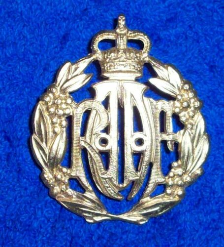 RAAF CAP/HAT BADGE - GILT METAL AUSTRALIAN AIR FORCE  REPRO