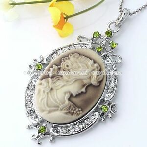 Vintage-Crystal-Silver-Plated-Cameo-Beauty-Bead-Pendant