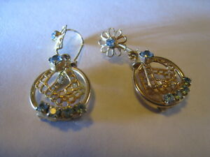 Vintage-Gold-Tone-Filigree-W-Ice-Blue-Glass-Rhinestones-Hook-Pierced-Earrings
