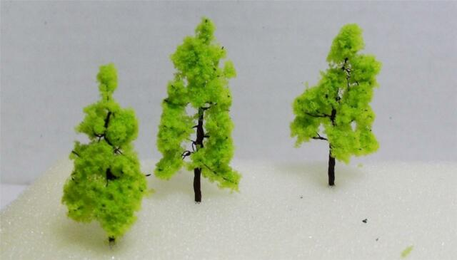 N/HO GAUGE-RAILROAD SCENERY-LIGHT GREEN MODEL TREES-1 SIZE-1 COLOR-20 PIECES