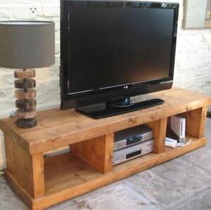 solid wood entertainment unit bench tv stand cabinet rustic plank pine furniture ebay. Black Bedroom Furniture Sets. Home Design Ideas