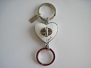 NEW-COACH-WHITE-SILVER-HEART-SHAPED-TURNLOCK-VALET-KEYCHAIN-KEY-FOB-92740
