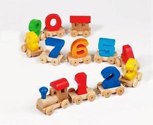 WOODEN-12-PIECE-MAGNETIC-CHILDREN-TRAIN-SET-NEW