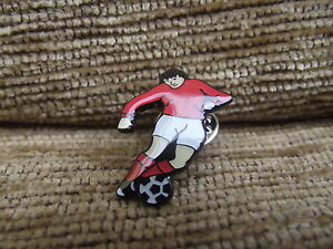 Footballer-in-red-and-white-football-kit-pin-badge