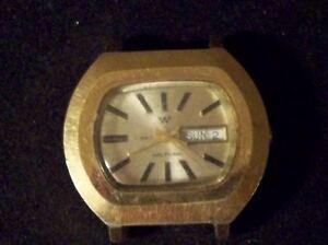 Vintage-Gold-Tone-Men-039-s-Waltham-17-Jewel-Mechanical-Watch-w-Day-Date-Running
