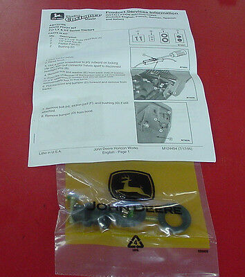 JOHN DEERE Hood Hinge Repair Kit AM122166 GT 242 262 275 LX 172 173 176 178 186