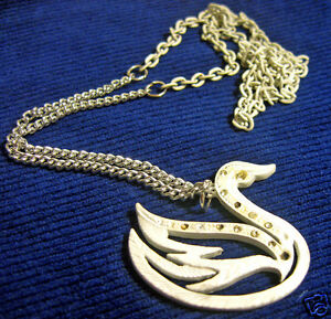 Necklace-White-Enamel-Swan-with-Rhinestones-Silver-Tone-and-White-Metal-Chain