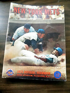 1971-Vintage-METS-OFFICIAL-YEAR-BOOK