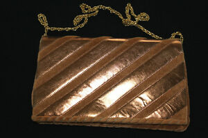 VINTAGE-1960S-1970S-GOLD-VELVET-AND-LEATHER-HANDBAG-10-INCHES-BY-6-INCHES