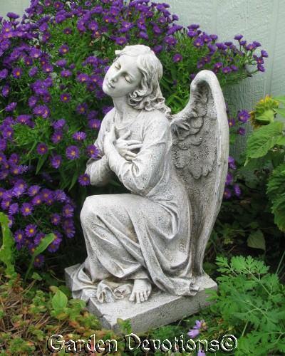 """22"""" MEMORIAL ANGEL GARDEN STATUE Yard Outdoor Decor KNEELING PRAYING DS ~ New!"""
