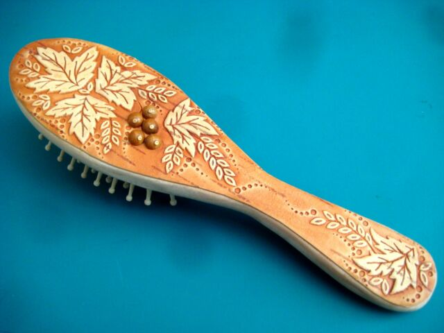 ~NO STATIC!~ hand made HAIR BRUSH RUSSIAN ART WOODEN Birch Bark Carved BERRIES