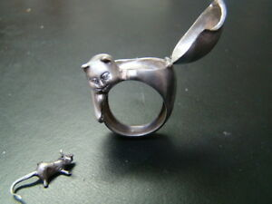 Unique-and-LOADED-with-character-Sterling-Silver-Poison-Cat-ring-with-mouse
