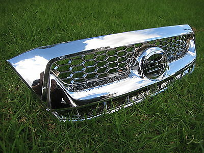 TOYOTA HILUX FULL CHROME GRILL GRILLE NEW - to suit 2005 model Hilux & onwards